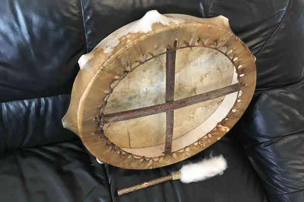 Bütykös sámándob 40cm átmérővel, ütővel hátoldal